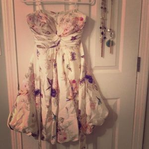 Hitherto Size 4 Romantic Floral Print Bubble Dress